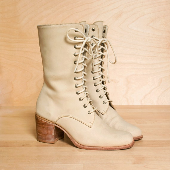 Lace up boots 5.5 - 5. Vintage 1980s cream leather stacked heel oxford boots. Leather soles.