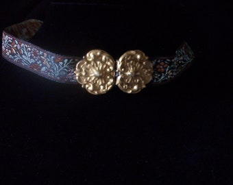 Choker of Jacquard ribbon with antique Cloak Buckle