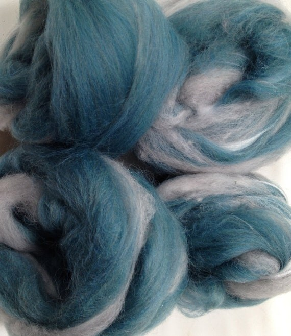 Cloudy Skies - Hand Pulled Roving (SMOOTH) HPCS001 -  corriedale alpaca alpaca noil starbright firestar 3.5 ounces