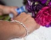 Bridal jewelry, Wedding Bracelet, Ivory Pearl Bracelet, White Pearl Bracelet, Pearl and Crystal Jewelry