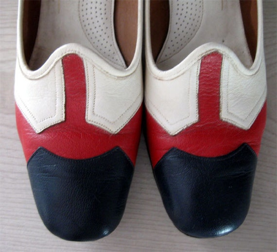 Vintage 70s Shoes Red White Blue Leather Low  Heel Pumps Ramblers