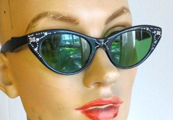 Vintage 1950s Retro Black Cat Eye Sunglasses Made in Italy