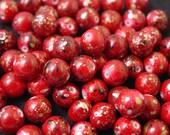 20 acrylic red round beads