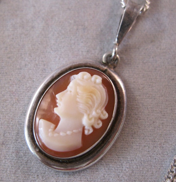Italian 800 Silver Cameo Pendant Sterling Chain Necklace Hand Carved Shell Signed Camexco & Co