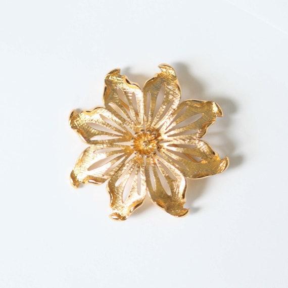 Vintage Pin Brooch Monet Flower Gold Tone Large Flower Signed