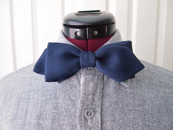 Classic Pointed Bow Tie