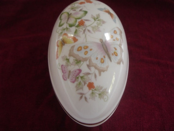 Avon Egg Trinket Bow Butterfly and Flowers 22K Gold Trim 1979 Large