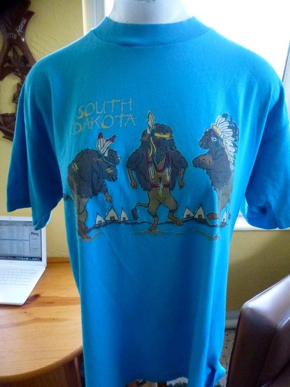 South Dakota vintage tourist tee soft and thin - Native American Buffalo - blue shirt size medium