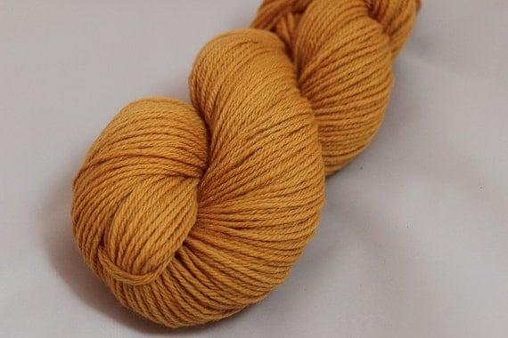 Kamala - Naturally-Dyed Falkland British Merino DK-Weight Yarn 246 yds