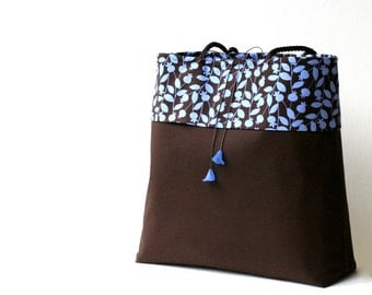 40% off...large dark brown periwinkle blue floral fabric shoulder bag...slip pockets...matching Lucite flowers...brown blue tote diaper bag