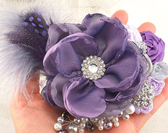 Purple Hair Clip, Wedding Fascinator, Lilac, Silver,Grey, Wedding, Bridal, Maid of Honor, Feathers, Pearls, Crystals, Elegant, Vintage Style