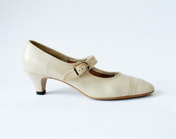 Vintage Mary Jane Kitten Heels Size 8 Ivory Leather