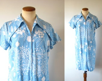 1960s 70s Shift Dress Huge Butterfly Collar Zip Front Mini Blue White Floral Vintage 1970s 60s S Small M Medium