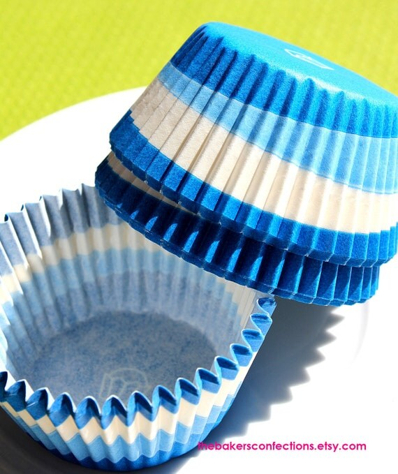 SALE- Blue Swirl Cupcake Liners Baking Cups (90 count) Half Price Sale!