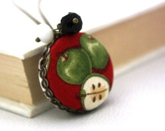 Apple Fabric Two Sided Back to School Necklace : Apples and Chalkboards
