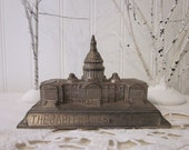 vintage Architectural Building, The Capitol Washington D.C. metal statue, paperweight, objet d'art