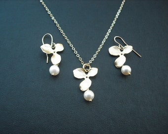 SALE - bridesmaids gift, wedding gift, single orchid flower earrings and necklace set - 16K yellow gold plated