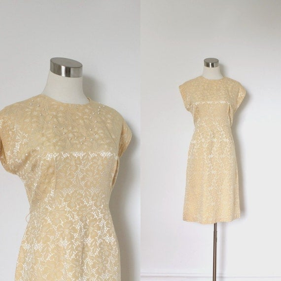 1960s Dress / 60s Peach Brocade Evening Wiggle Dress / Pearl Bodice (large L)