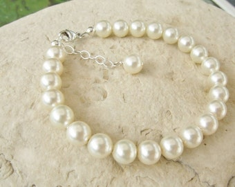SET Child's Classic Swarovski Pearl Necklace and Bracelet in Sterling Silver S016