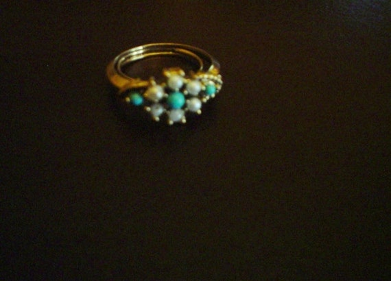 Vintage Ring Avon Turquoise and Pearls