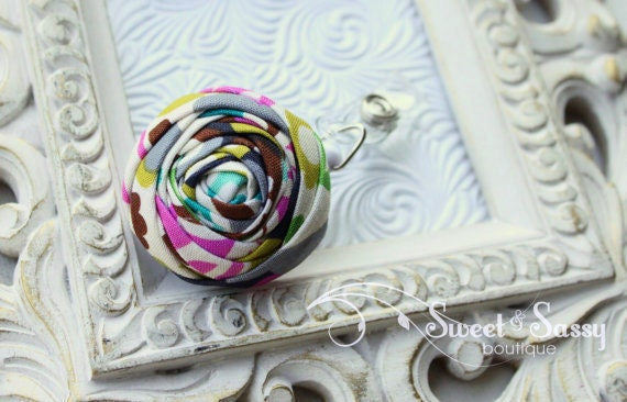 Rolled Rosette ID Badge Holder with Retractable Reel - Perfect Teacher Gifts