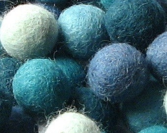 60 Hand-felted Wool Felt Balls 1.5CM Aquamarine Mix Handbehg Felts Fiber Crafts