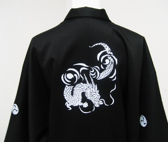 Mens KIMONO Jacket HAORI with dragon and KAMON black and wihite made to order in your size