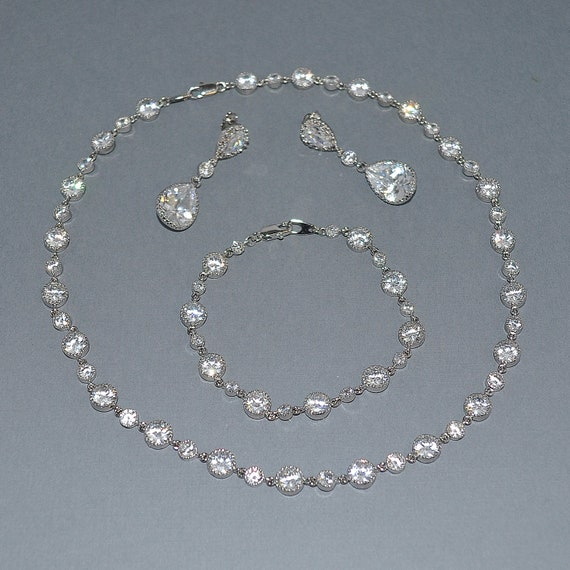 Wedding Bride Bridal Sparkling Cubic Zirconia Alternating Round Link Necklace - Custom Requests Welcome