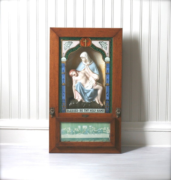 Circa 1940s Catholic Last Rites Communion Box Wall Shrine Shadow Box Viaticum