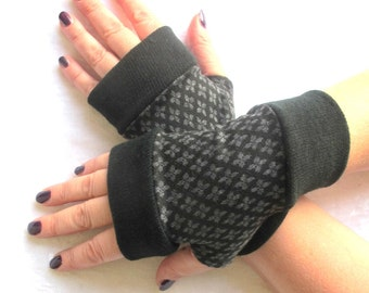SALE GLOVES  Fingerless gloves short with  cuff