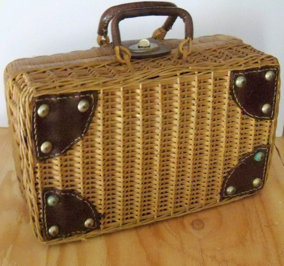 Vintage Woven straw purse Picnic Basket Lunch Box