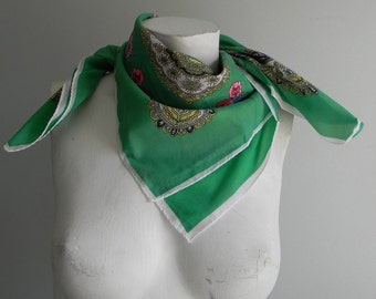 vintage. 70s Green Large Scarf