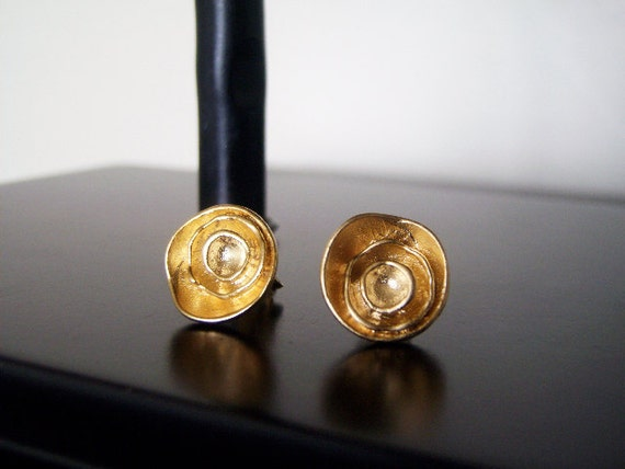 Lilly - Multi Layered Organic Gold Circle Earring Studs