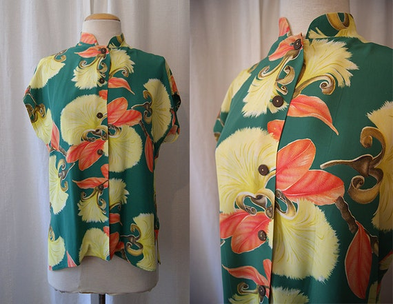 On Hold for Julianna Amazing 1950's Hawaiian Togs Tea Timer rayon print blouse top green tiki summer party - size Large