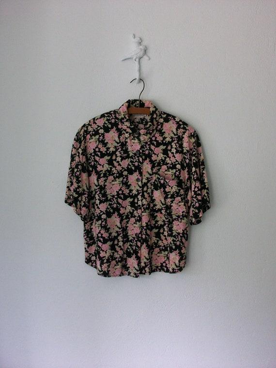 Vintage 90's Blouse ... Oversized Button-up Cropped Shirt ... Medium / Large
