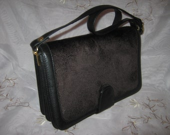Vintage Fur Leather Chic Preppy Stylish Fashionable Shoulderbag / Classy Fall Winter Wear