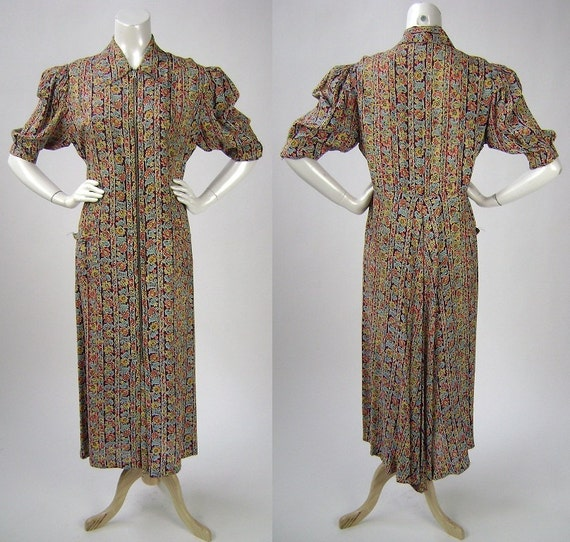 Reserved for Julianne Hall: Vintage 40s rayon print dressing gown / l / 1940s floral print short sleeve zip front dress
