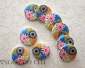BUTTONS: 10 units x buttons. Bold colors. Flowers. Spring Summer All handmade projects. Ready to ship.