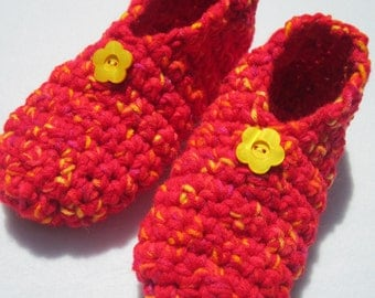 Crochet Slippers in Red Yellow and Orange Size Medium, Womens Houseshoes ~Gift for Grandma ~Traditional Slippers ~Warm and Cozy Socks