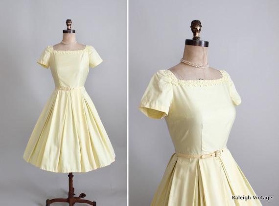 Vintage 1950s Dress : 50s 60s Yellow Full Skirt Dress