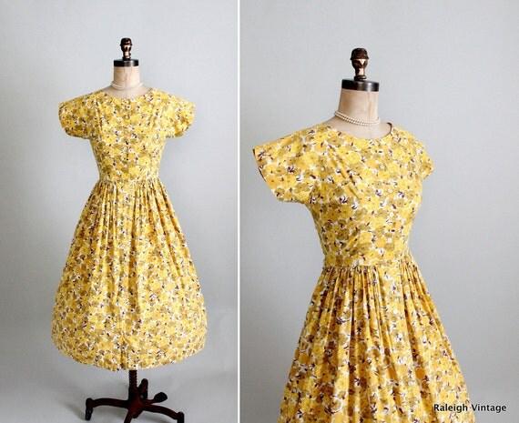 Vintage 1960s Dress : 50s 60s Floral Cotton Day Dress