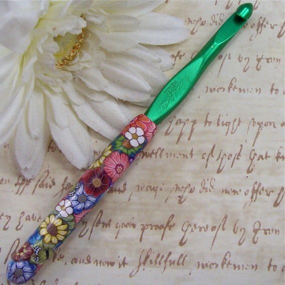Susan Bates Polymer Clay Covered Crochet Hook, Size K 10.5/ 6.50mm