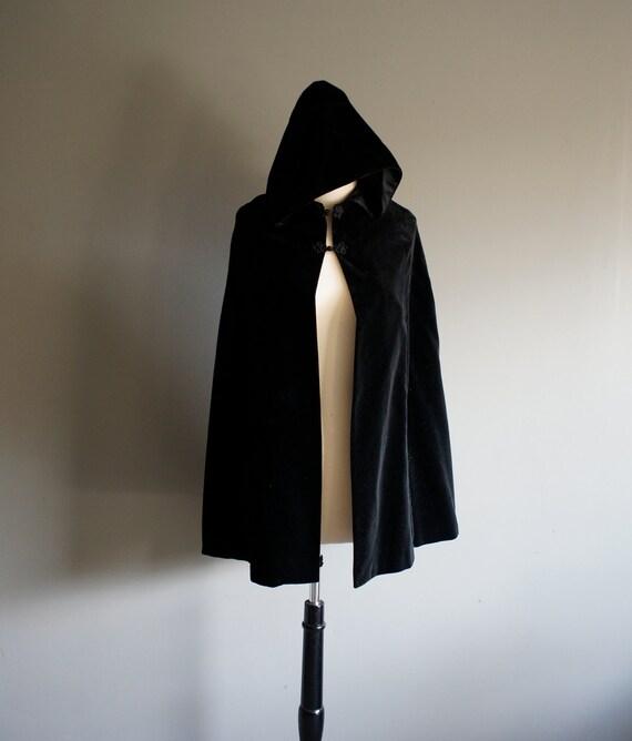 Vintage black VELVET Hooded Cape Poncho (s-m)