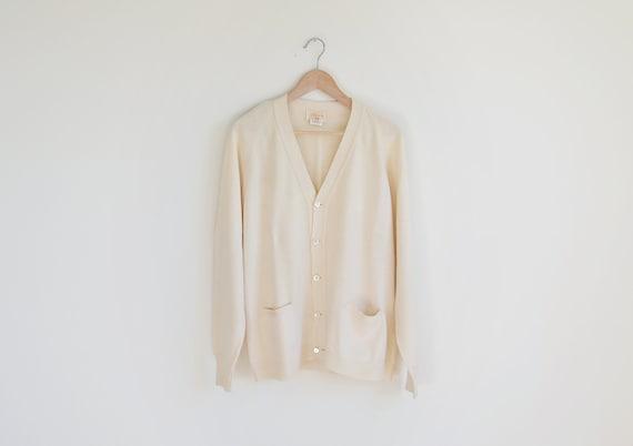 Vintage CEZAR ivory sweater cardigan.