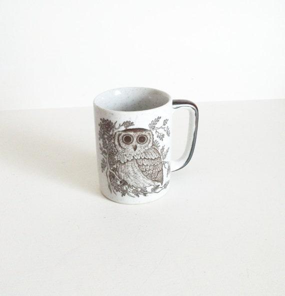vintage owl mug.  bird coffee mug.  brown white earthy.
