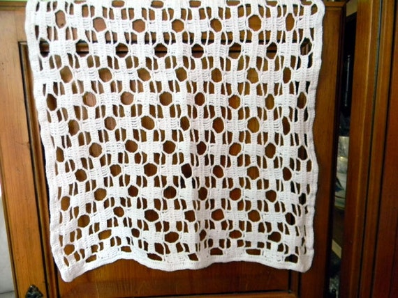 Large Doily - Geometric Crochet Centerpiece - Hand Crocheted 8172