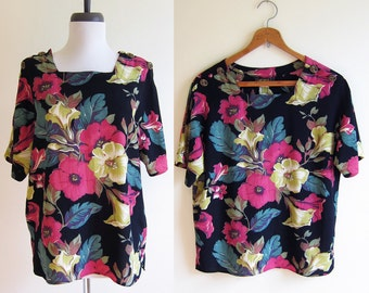 Vintage 1990s Blouse / Bright FLORAL Rayon Short Sleeve Blouse / Size Small or Medium