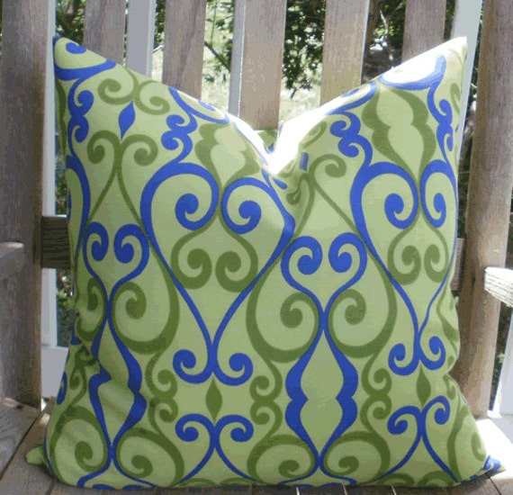 Decorator 18 X 18 inch Outdoor Accent Throw Pillow in Lime Green and Royal Blue