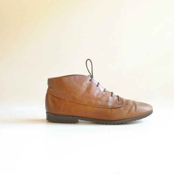 Leather Ankle Boots Size 9   //   Lace Up Boots  //  THE MOCHA