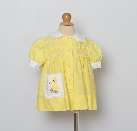 vintage 1960s toddler dress/ smocked/ yellow duck